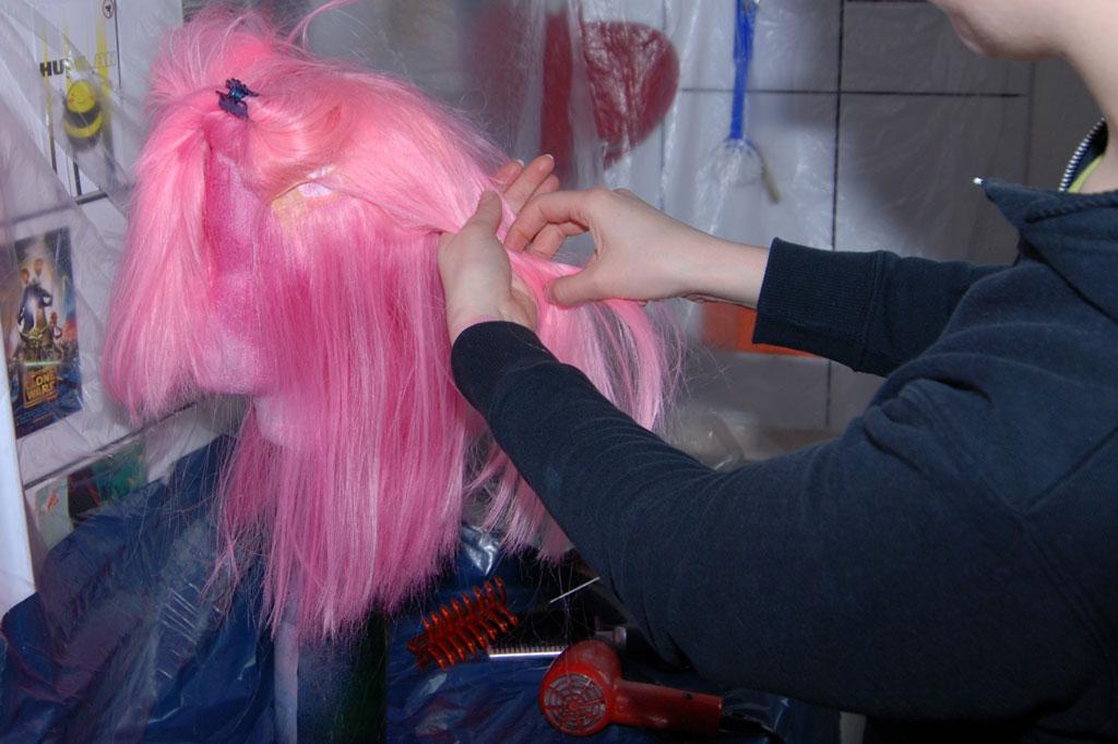 Desenredar la peluca con los dedos