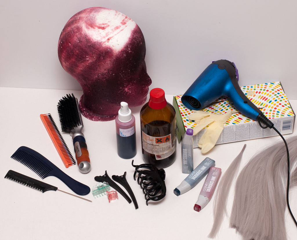 Materiales y herramientas para teñir pelucas