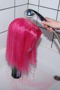 rinsing wig dye