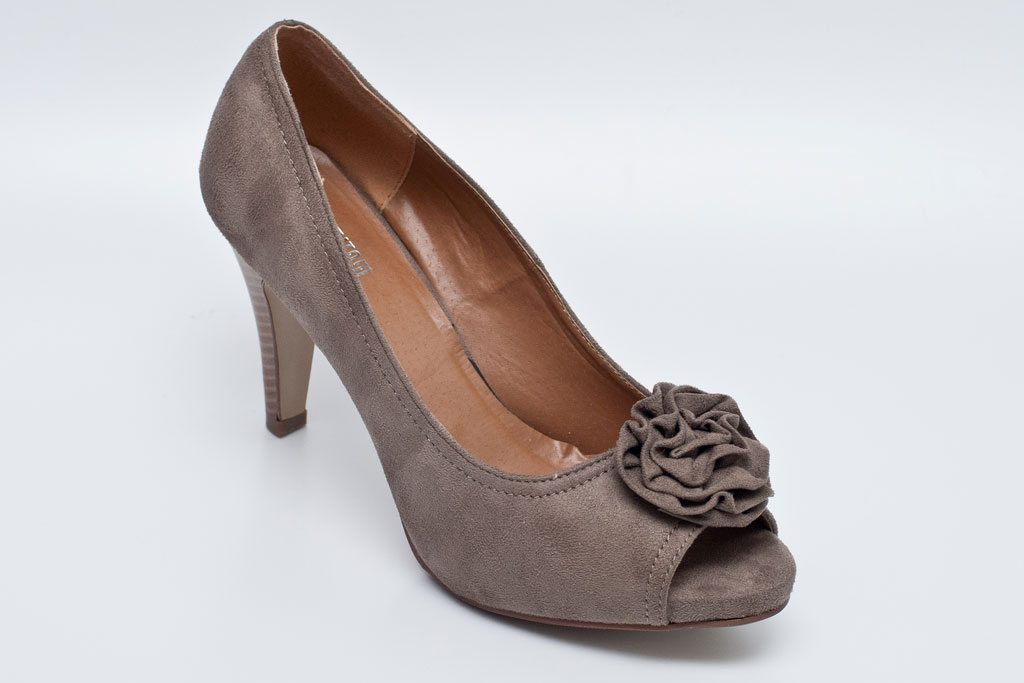 base shoe